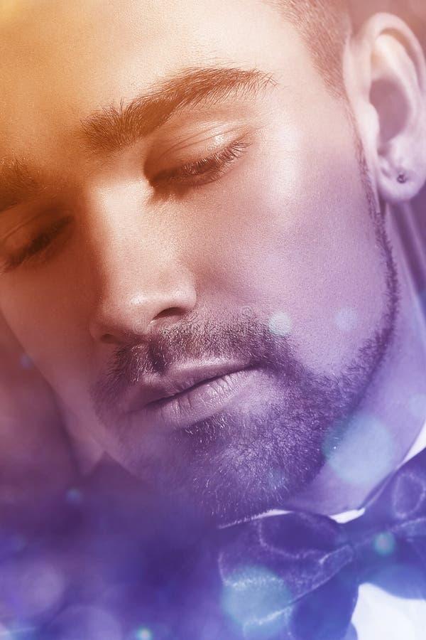 Hombre hermoso con una barba fotografía de archivo libre de regalías