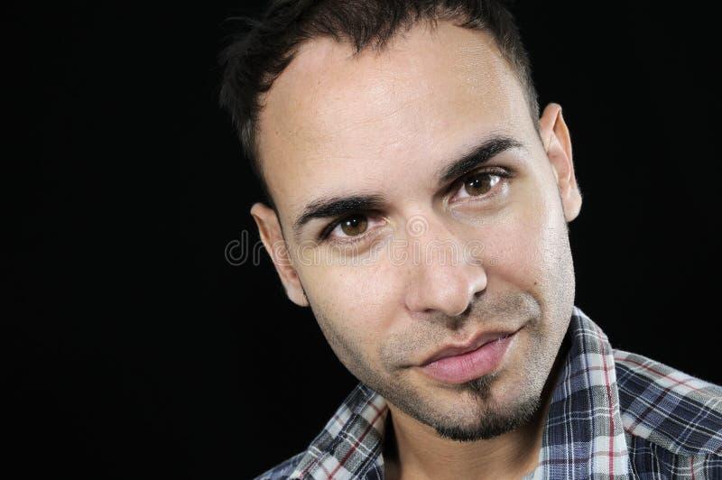 Hombre hispánico hermoso con mirada natural fotografía de archivo libre de regalías