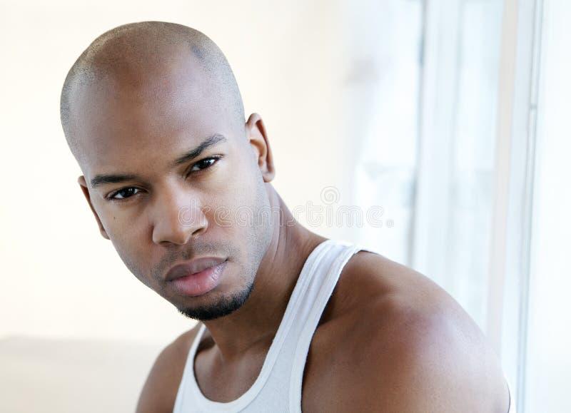 Hombre joven apuesto imagen de archivo