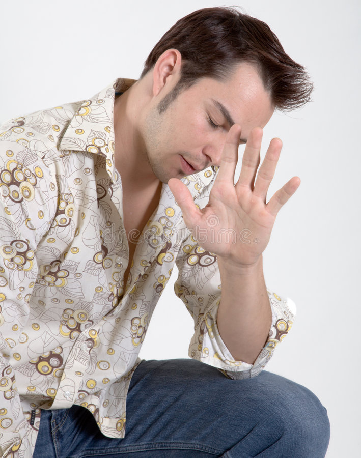 Hombre joven atractivo imagen de archivo libre de regalías