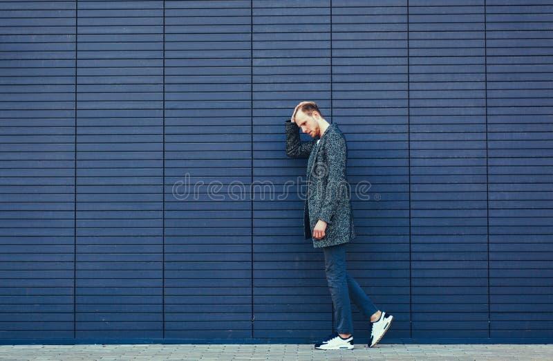 Hombre joven con estilo fotografía de archivo