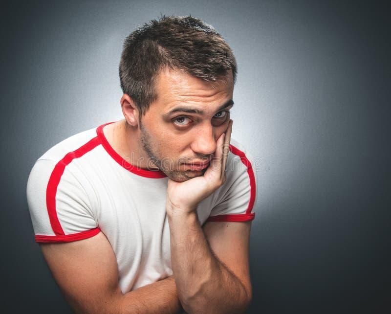 Hombre joven confuso fotos de archivo libres de regalías