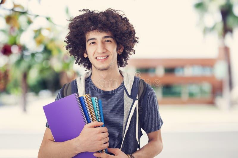 Hombre joven del estudiante fotografía de archivo