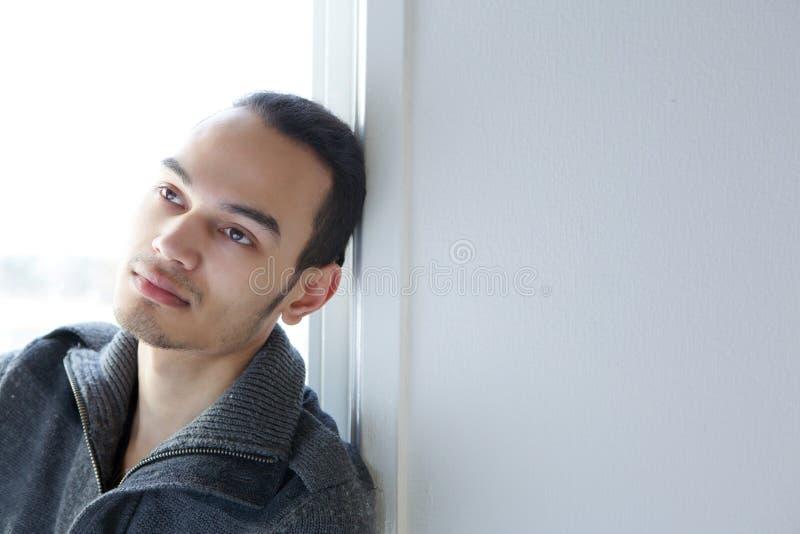 Hombre joven deprimido imágenes de archivo libres de regalías