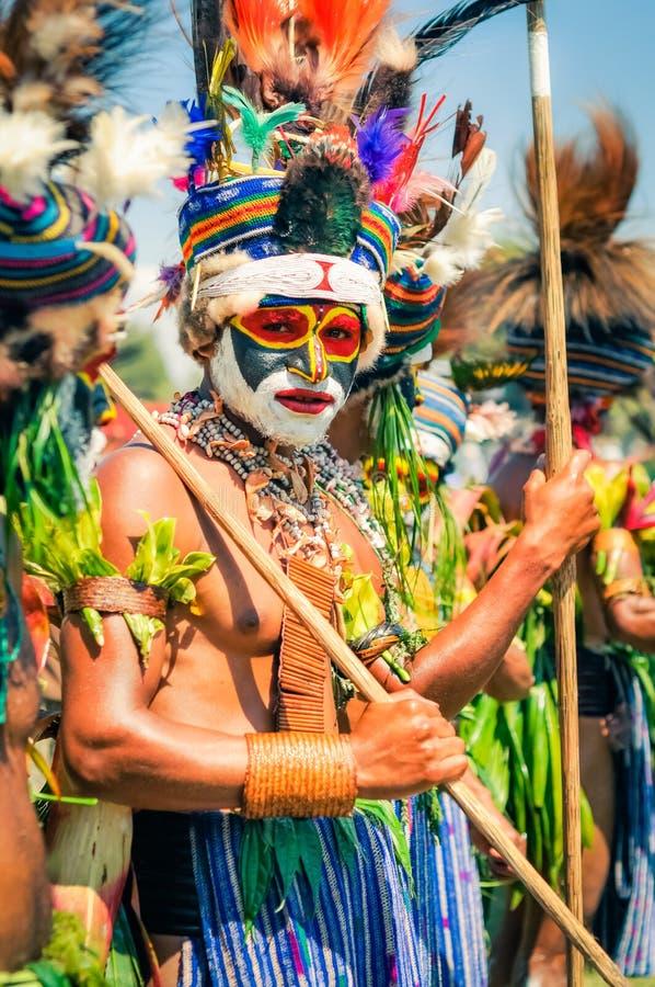 Hombre joven en la demostración de Hagen en Papúa Nueva Guinea foto de archivo libre de regalías