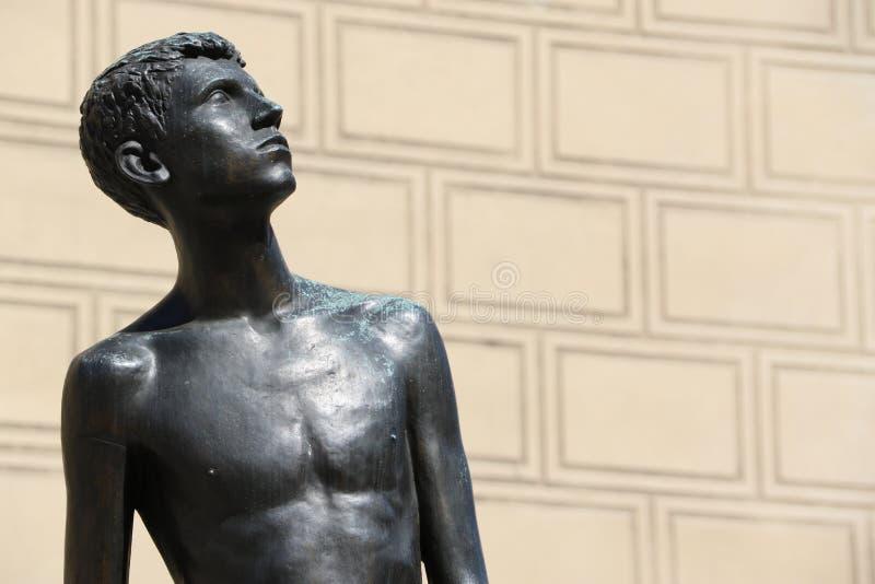 Hombre joven en Praga imágenes de archivo libres de regalías