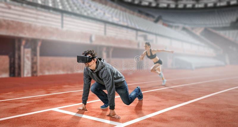 Hombre joven en realidad virtual foto de archivo libre de regalías