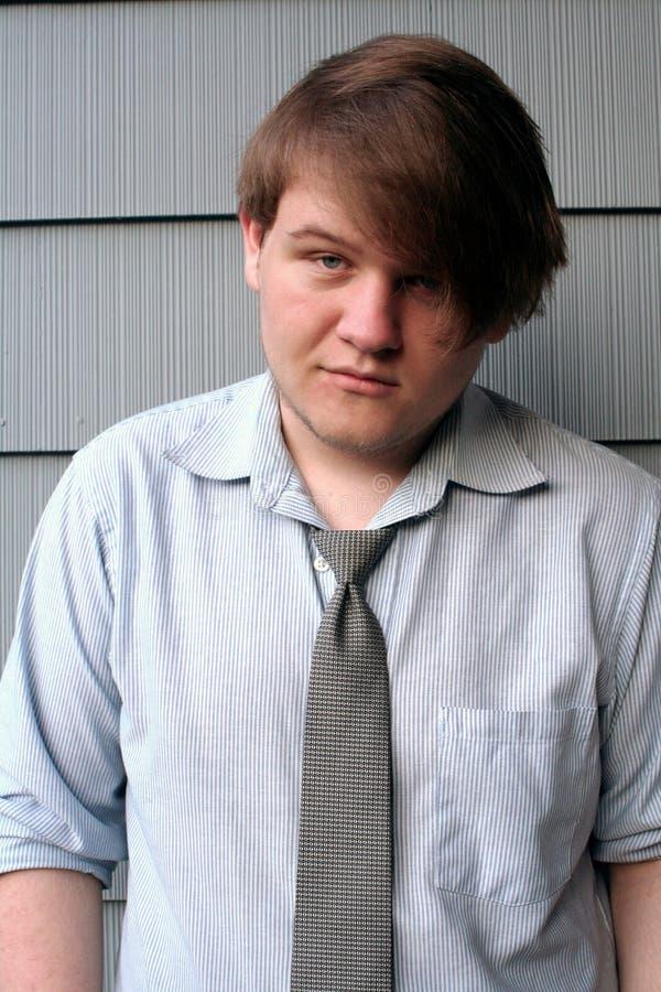 Hombre joven engreído imagenes de archivo