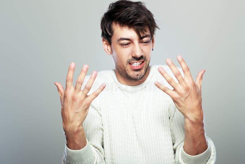 Hombre joven enojado fotos de archivo libres de regalías