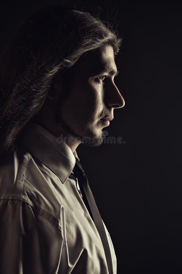 Hombre joven hermoso foto de archivo libre de regalías