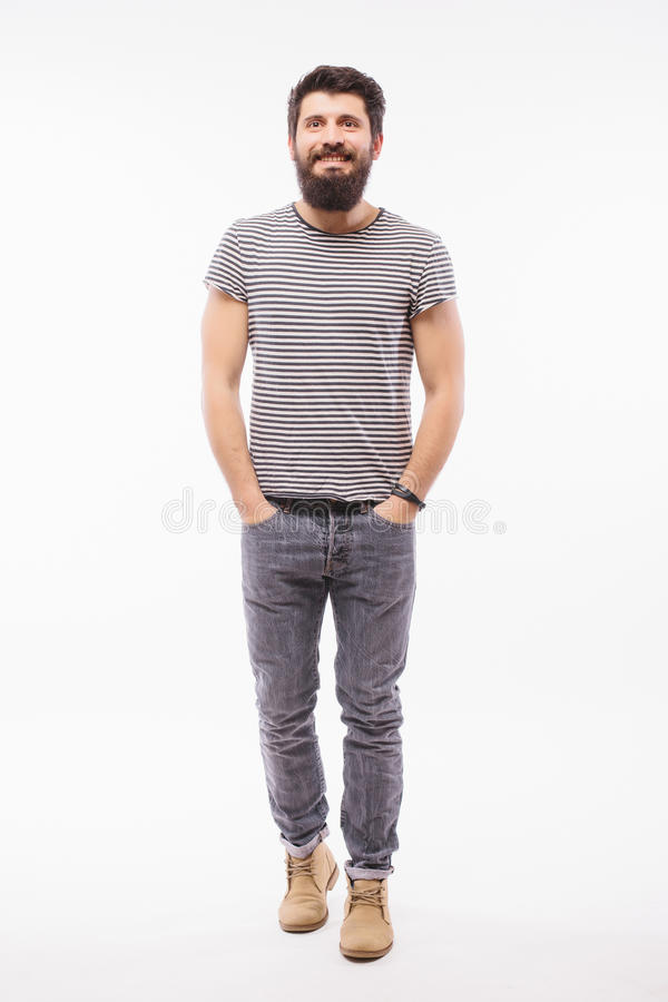 Hombre joven hermoso con caminar completo del heigh de la barba imágenes de archivo libres de regalías