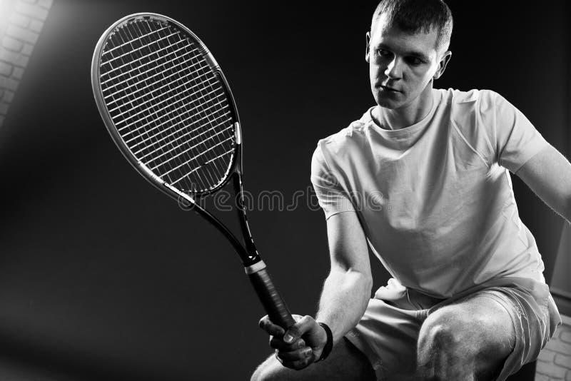 Hombre, jugador de tenis imágenes de archivo libres de regalías