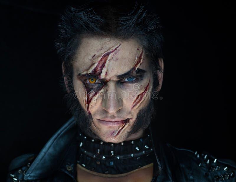 Hombre lobo profesional Wolverine del maquillaje imagen de archivo