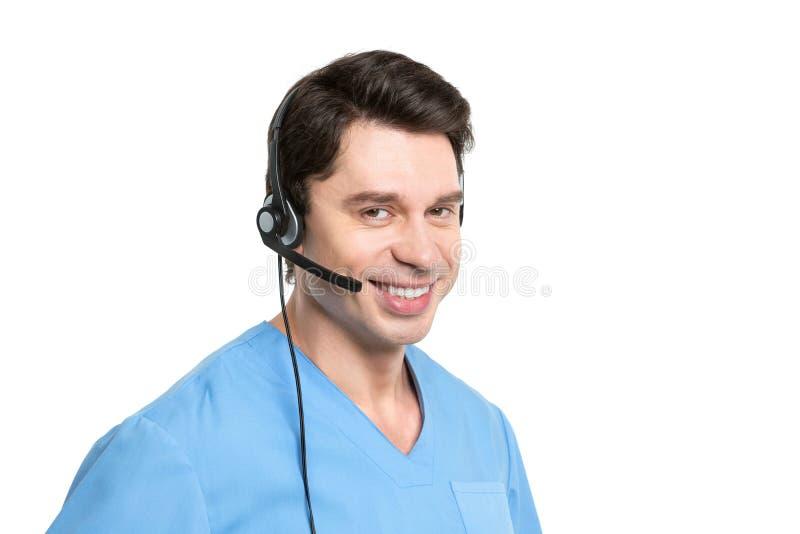 Hombre médico del operador de centro de atención telefónica aislado fotografía de archivo libre de regalías