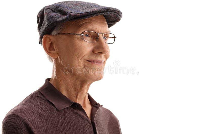 Hombre maduro que mira en la distancia fotografía de archivo libre de regalías