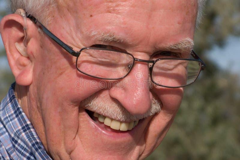 Hombre mayor feliz imagen de archivo