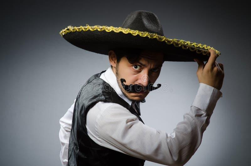 Download Hombre Mexicano En Divertido Foto de archivo - Imagen de carácter, retro: 41914178