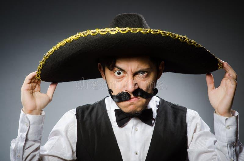 Download Hombre Mexicano En Divertido Imagen de archivo - Imagen de mexicano, varón: 41914179