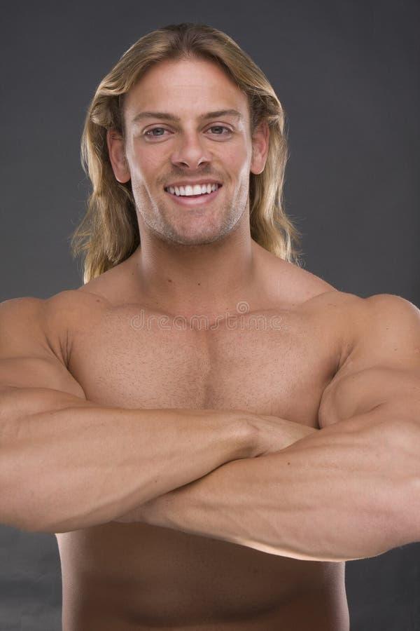 Hombre muscular atractivo imágenes de archivo libres de regalías