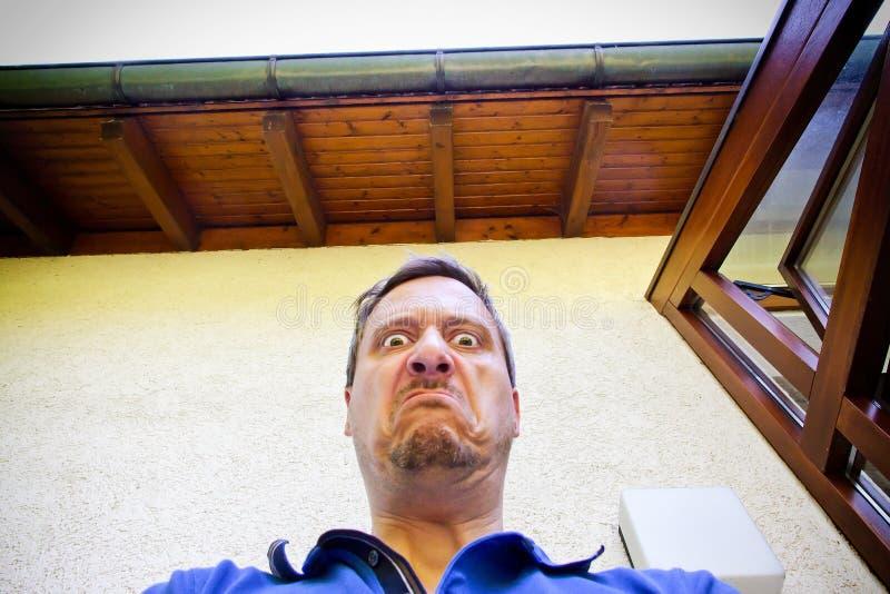 Hombre muy enojado fotos de archivo