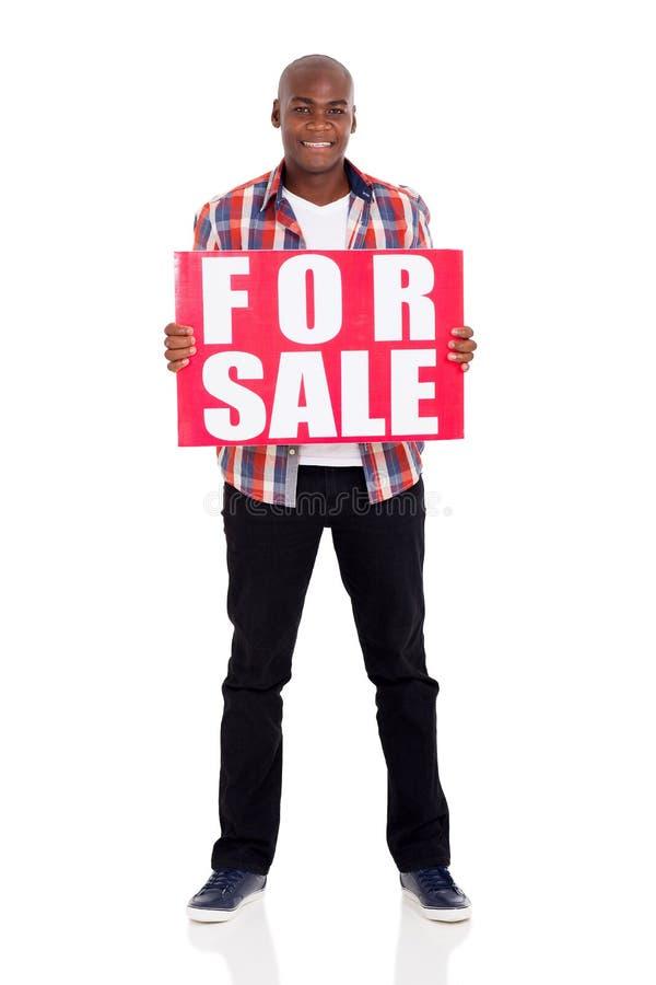 Hombre para la muestra de la venta foto de archivo libre de regalías