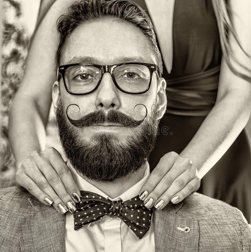 Hombre pasado de moda con una barba y un bigote encrespado fotografía de archivo libre de regalías