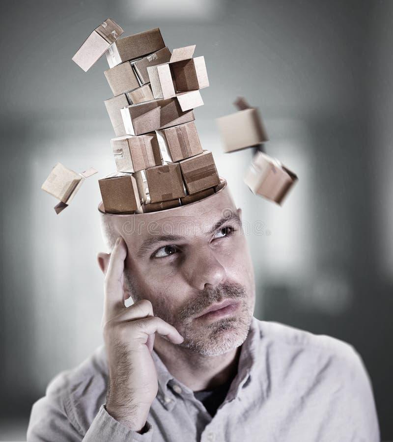 Hombre perdido en pensamiento fotografía de archivo libre de regalías