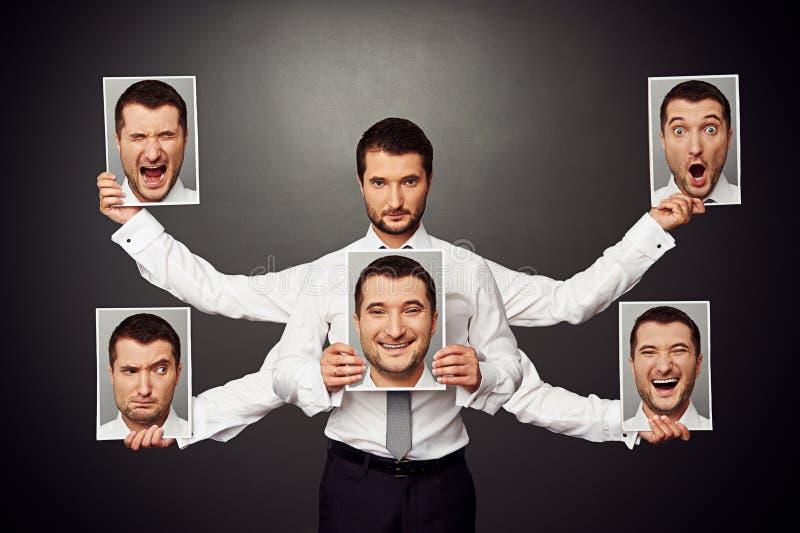 Hombre que elige humor fotos de archivo
