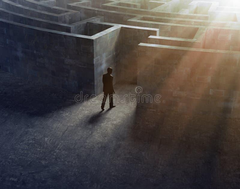 Hombre que entra en un laberinto ilustración del vector