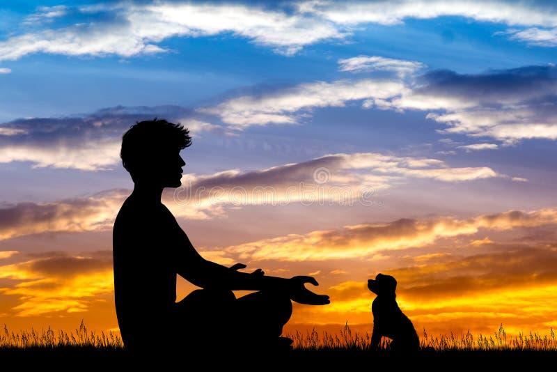 Hombre que hace yoga con el perro en la puesta del sol libre illustration