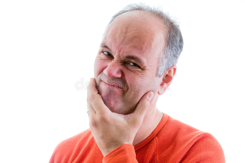 Hombre que siente avergonzado y triste para algo imagen de archivo libre de regalías