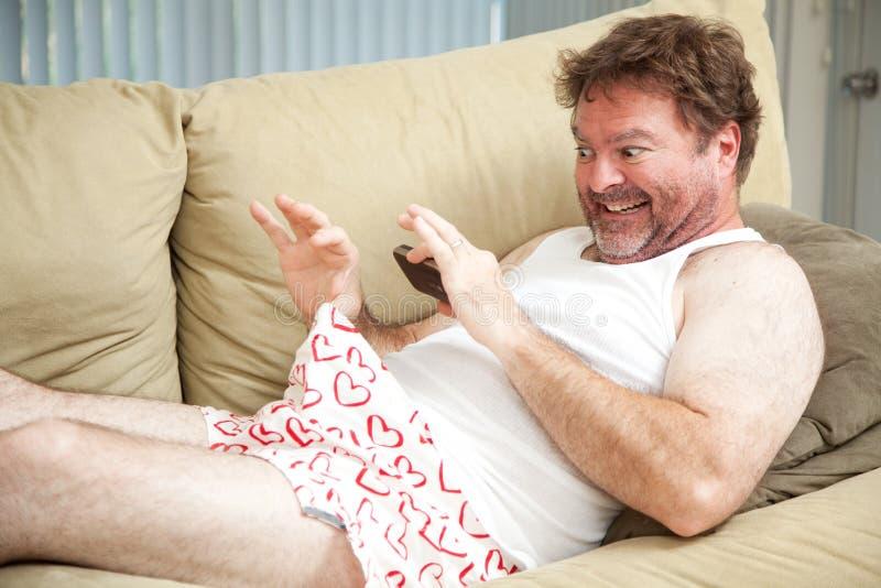 Hombre que toma la foto de sus desperdicios fotografía de archivo libre de regalías