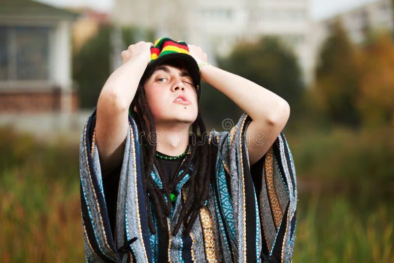 Hombre rastafarian joven fotos de archivo