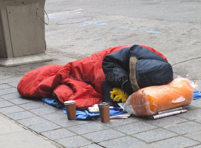 Hombre sin hogar imagen de archivo libre de regalías