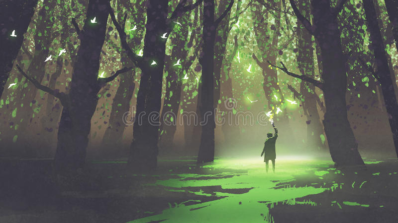 Hombre solo con la antorcha que se coloca en bosque del cuento de hadas libre illustration