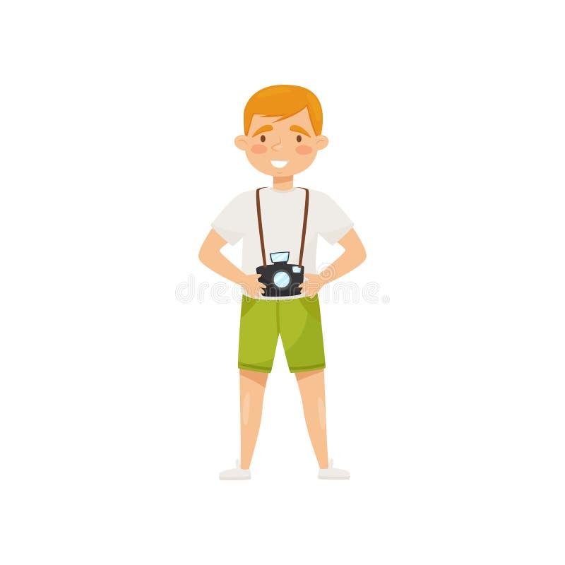 Hombre sonriente joven con la cámara Personaje de dibujos animados del viaje turístico a Vietnam, Asia Diseño plano del vector libre illustration
