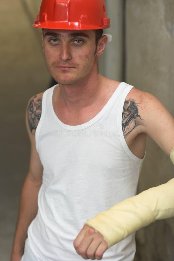 Hombre tatuado en yeso foto de archivo libre de regalías
