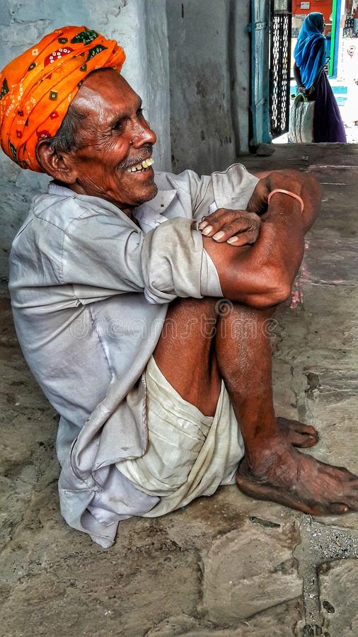 Hombre tribal indio imagen de archivo