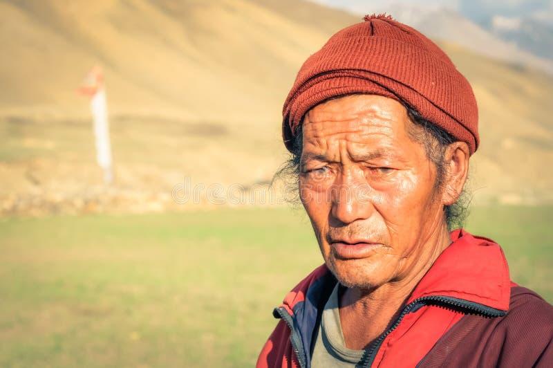 Hombre triste con el casquillo en Nepal foto de archivo libre de regalías