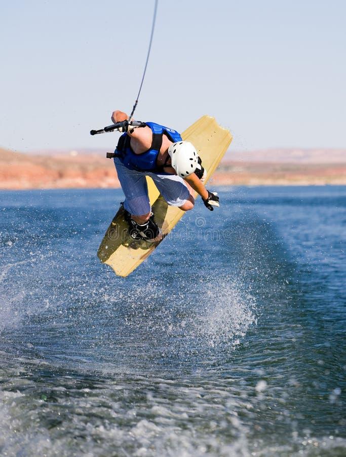 Hombre wakeboarding en el lago Powell 08 fotografía de archivo libre de regalías