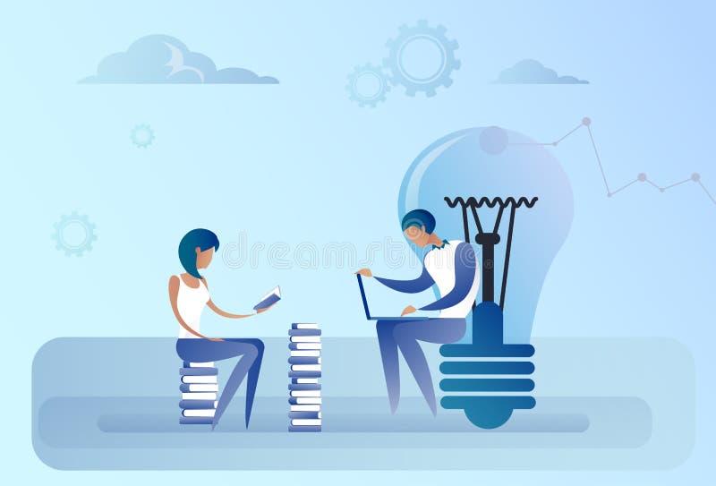 Hombre y mujer de negocios abstracto que sientan el ordenador portátil de trabajo Team Idea Concept creativo de la bombilla stock de ilustración