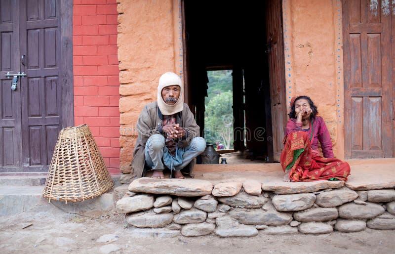 Hombre y mujer del districto de Gorkha, Nepal fotos de archivo
