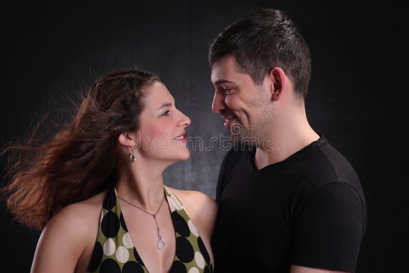 Hombre y mujer felices junto imágenes de archivo libres de regalías