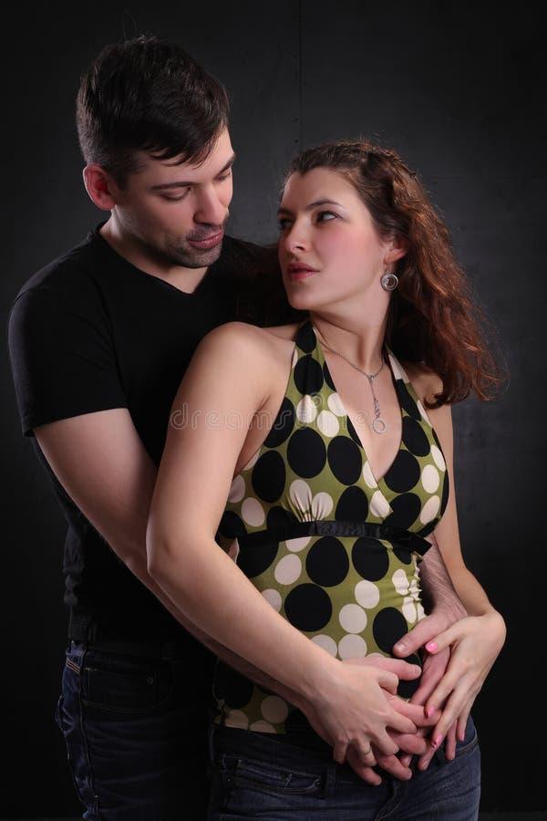 Hombre y mujer felices junto imagen de archivo