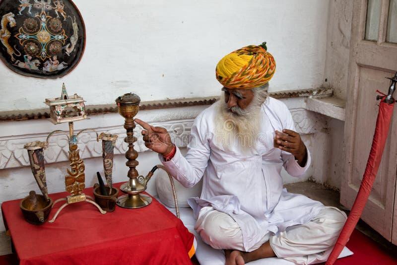 Download Hombres de la India foto editorial. Imagen de gente, rezo - 42439886