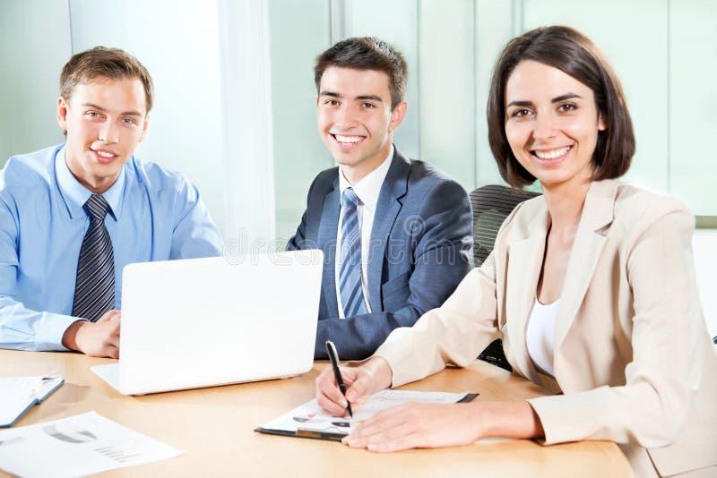 Download Hombres de negocios imagen de archivo. Imagen de color - 42430105
