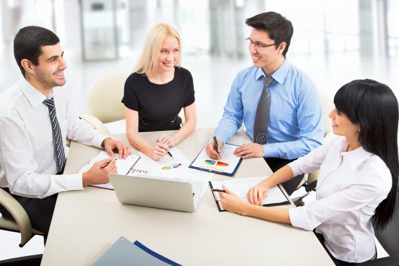 Download Hombres de negocios imagen de archivo. Imagen de businesswoman - 42430787