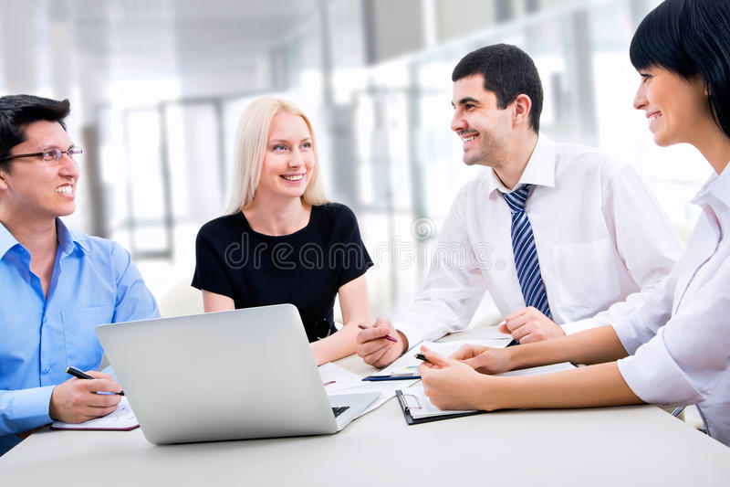 Download Hombres de negocios imagen de archivo. Imagen de businesspeople - 42430899