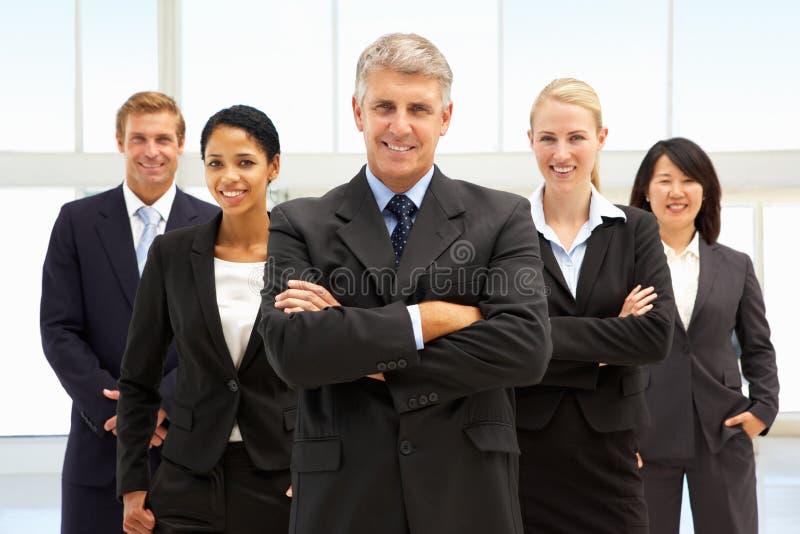 Hombres de negocios confidentes imágenes de archivo libres de regalías