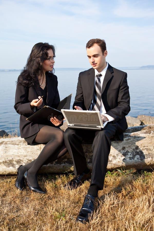 Hombres de negocios de trabajo imagen de archivo